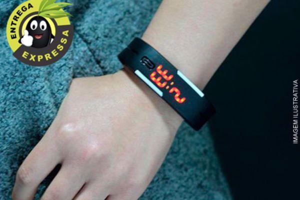 Pulseira Relógio Digital, por apenas 23,50. Frete incluso para todo o Brasil!