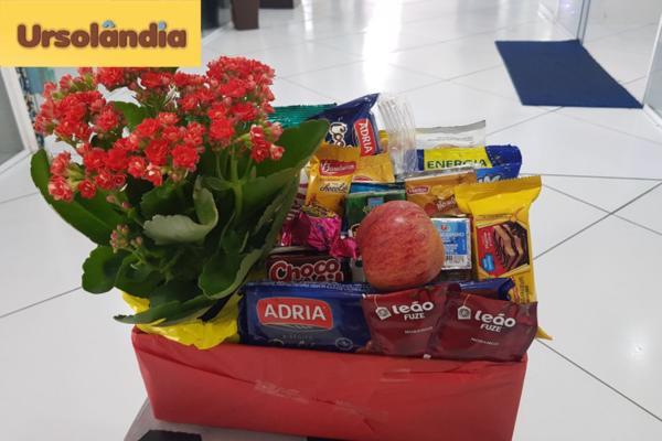 Para o dia das mães, presenteie sua mãe com uma deliciosa cesta do café da manhã da Ursolândia por apenas R$ 59,90.
