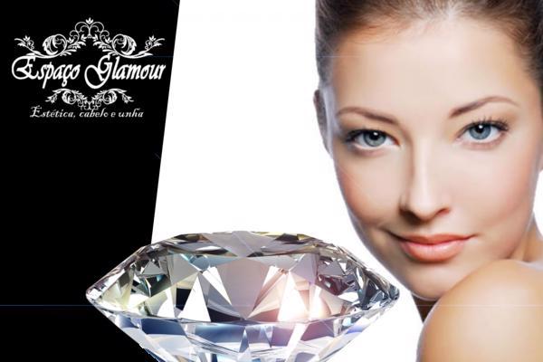 Peeling de diamante + máscara facial no Espaço Glamour Estética, cabelo e unha. Por apenas R$ 29,90.