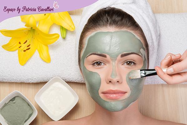Detox Facial + hidratação + serum de ouro + vit C + drenagem facial no Espaço Patrícia Cavallari R$ 100,00 por apenas R$ 49.90.
